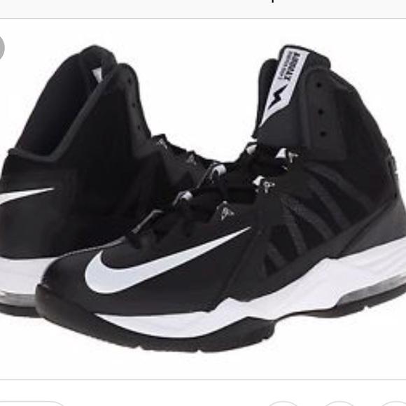purchase cheap 83e36 83a37 Nike Airmax stutter step 2 basketball shoes Sz 8. M 5b9d73919519964e0f2e334f